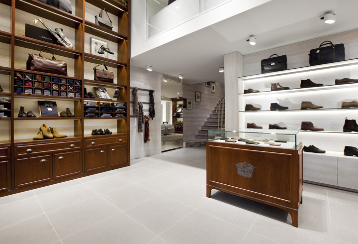 Florsheim mens's shoes store in Milan