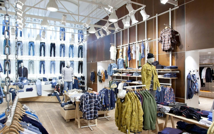 JILL & JOY unisex fashion store By Riis Retail