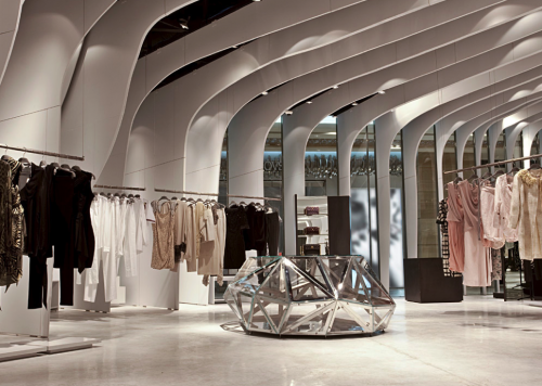 Boutique Runway by CLS Architetti