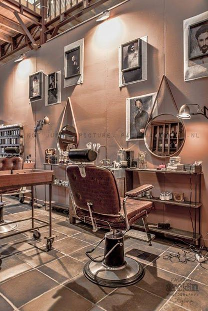 Barber - shaving salon in Amsterdam