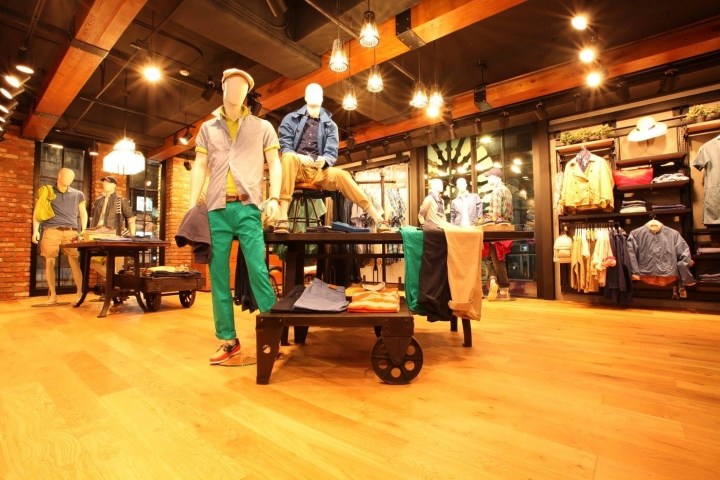 Timberland korean flagship store by Donghoo Design & Construction