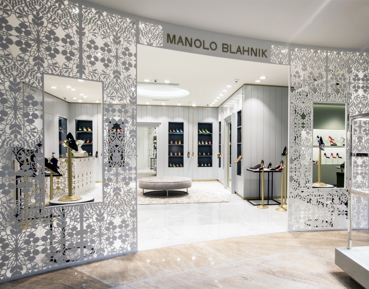 Manolo Blahnik store by Nick Leith-Smith in Moscow