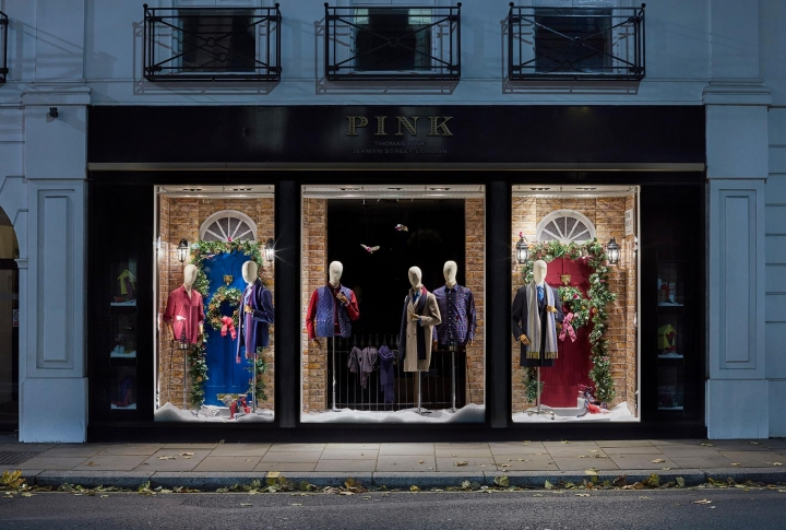 Thomas Pink Christmas Windows 2016 by Harlequin Design