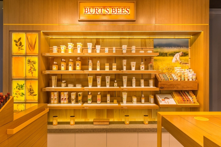 Burt's Bees store in Hong Kong by Landini Associates