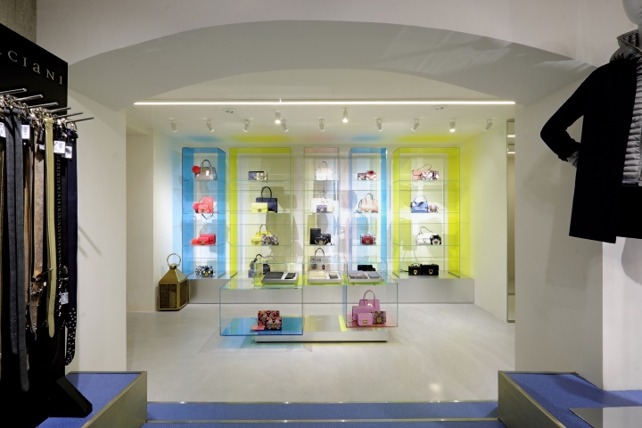 Maximilian Luxury store by Bartolini/Lanzi Architects