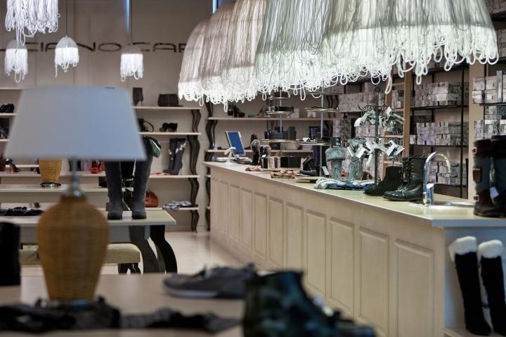 Luciano Carvari shoes shop concept - Belenko studio