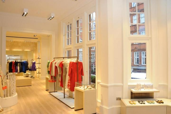 OSCAR DE LA RENTA Mount Street boutique is now open in London