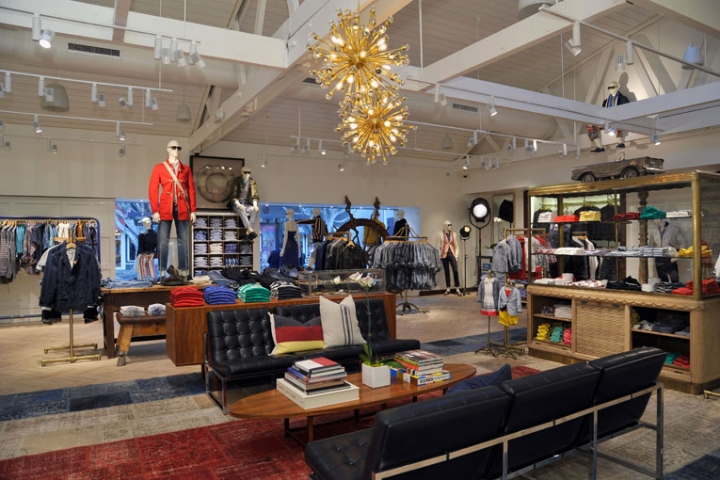 tommy hilfiger flagship store opening in Los Angels