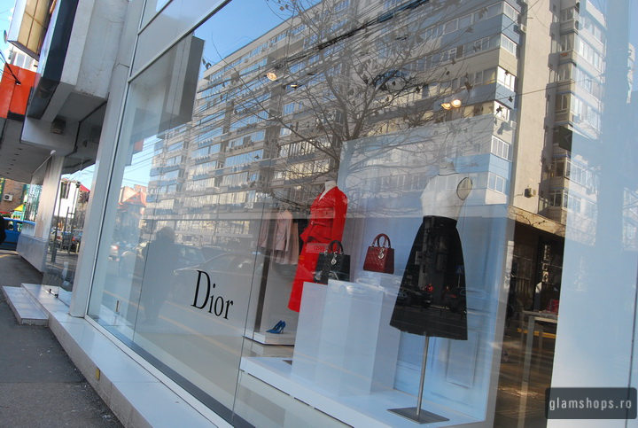 Vitrina Dior - Magazin Victoria 46 / Dior Dispaly in Victroia 46 store windows