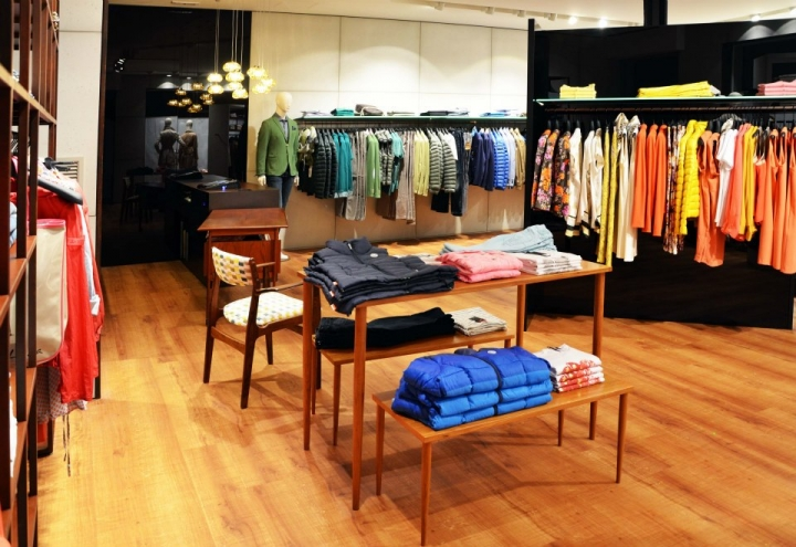 Albtros shop in Caorle/ Italy by Mise