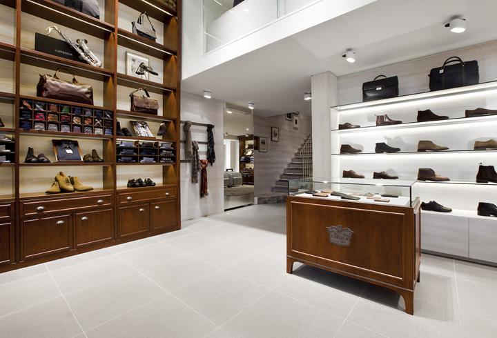 Florsheim mens's shoes store in Milan