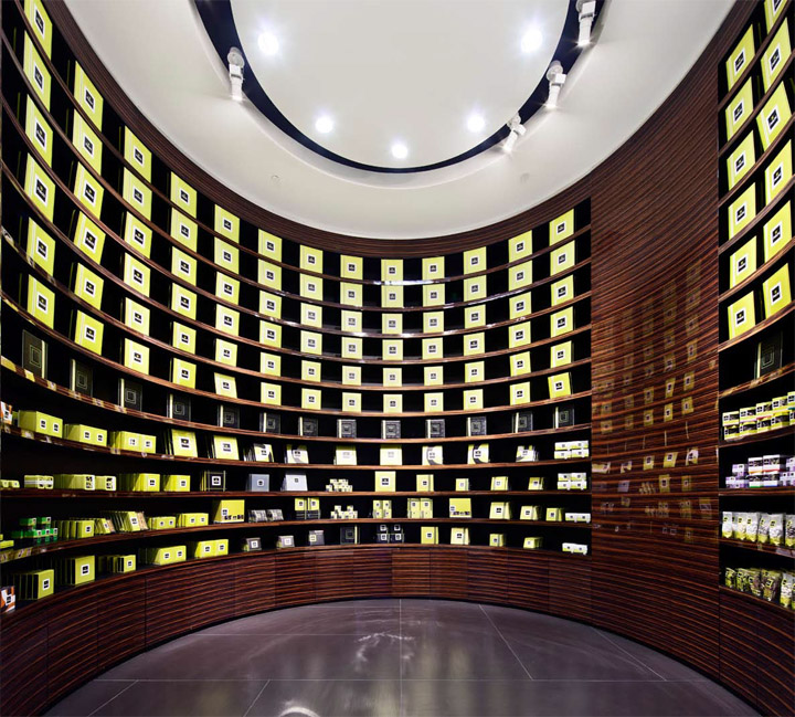 Patchi store by Lautrefabrique Architectes, Dubai