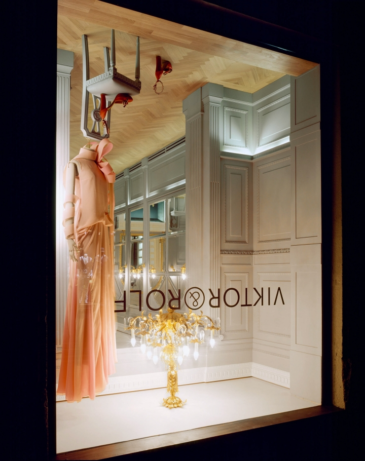 Viktor & Rolf upside-down store design in Milan