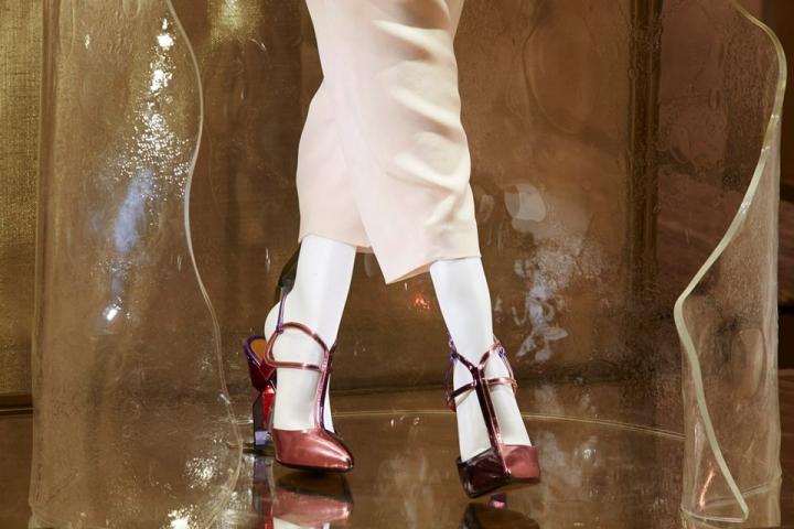 Fendi Fall-Winter 2013/14 Woman collection- Avenue Montaigne boutique