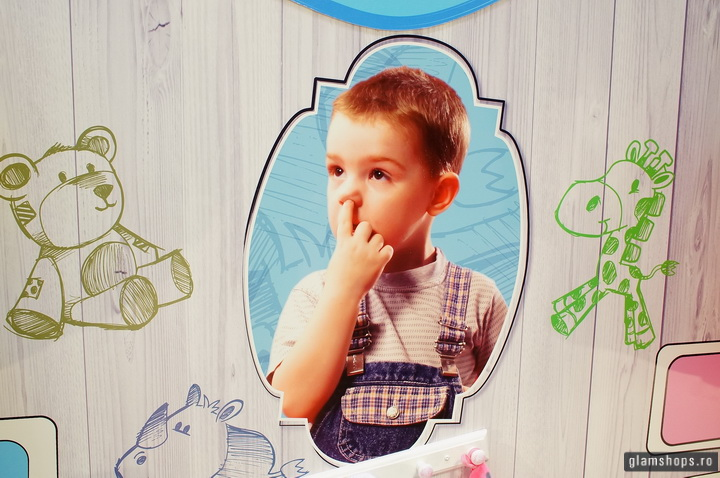 Candy Kid store windows display in Bucharest by Glamshops