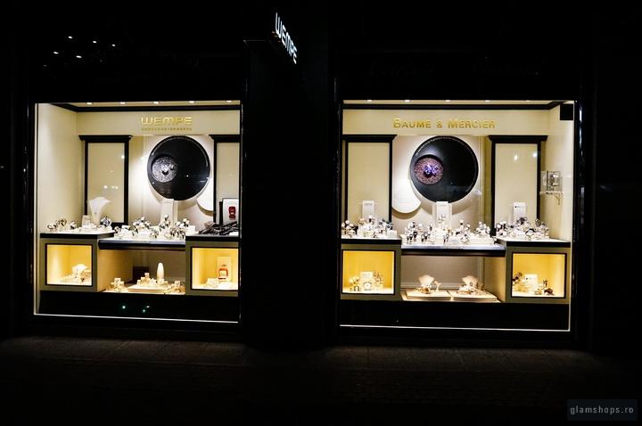 Wempe jewelry windows display in Mannheim