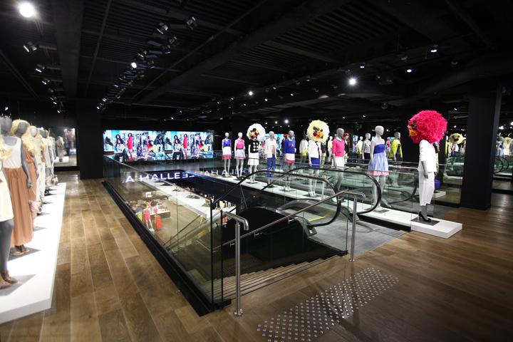 LA HALLE flagship store by SUPERBRAND, Paris – France