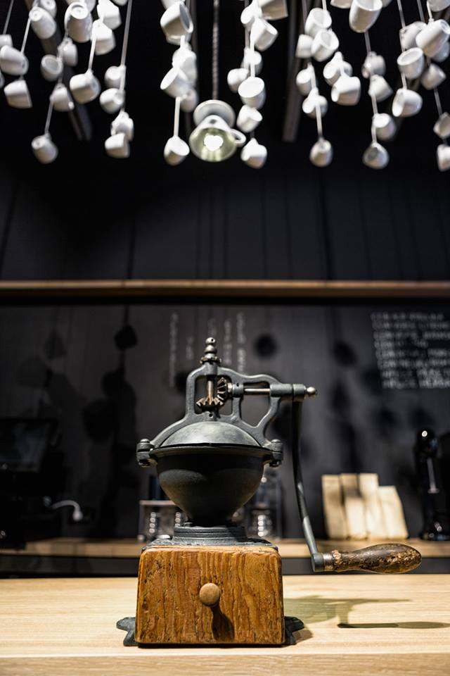 ORIGO COFFEE SHOP in Bucharest by Lama Arhitectura