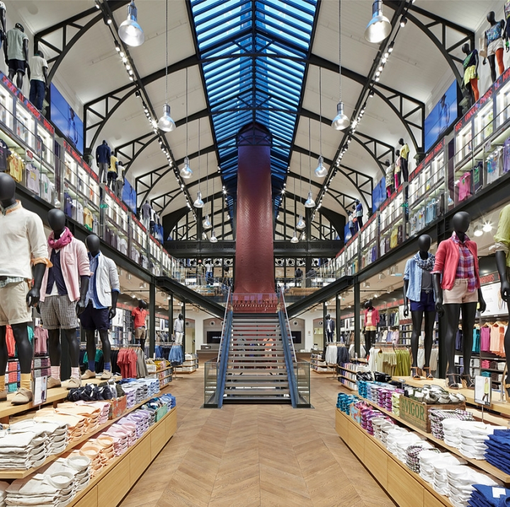 UNIQLO store Paris by Wonderwall inc