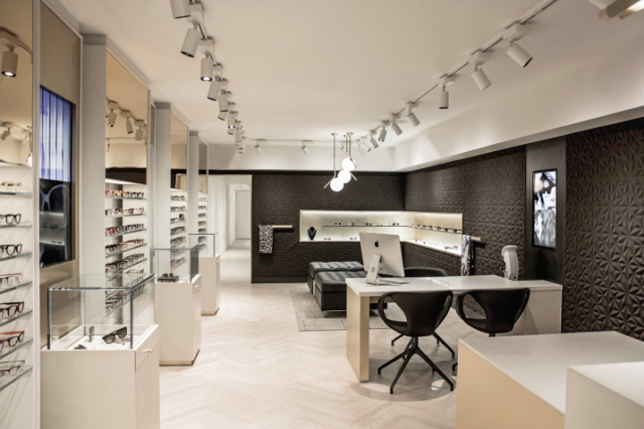 HOLLY Eyewear optical boutique by 1POINT0