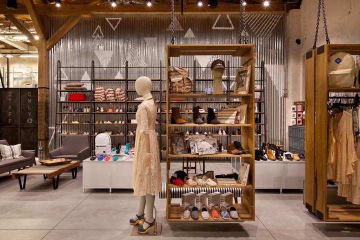 Story Sarona store by Dan Troim, Tel Aviv