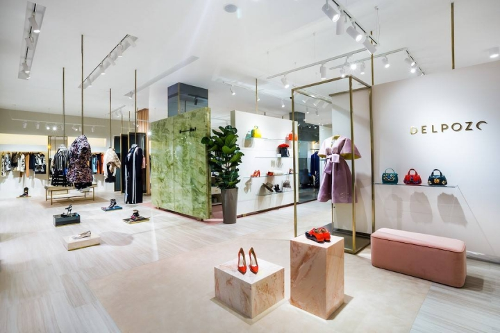 Boutique-No.7 boutique interior designed by CuldeSacv in Moscow