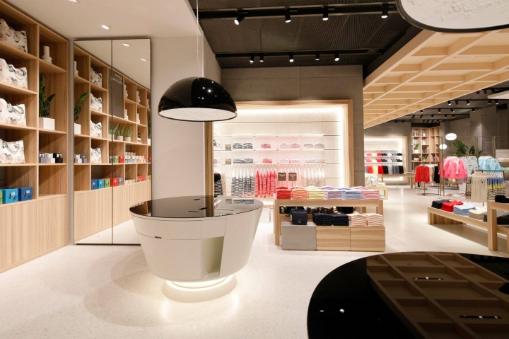 United Colors of Benetton new hi-tech flagship in London