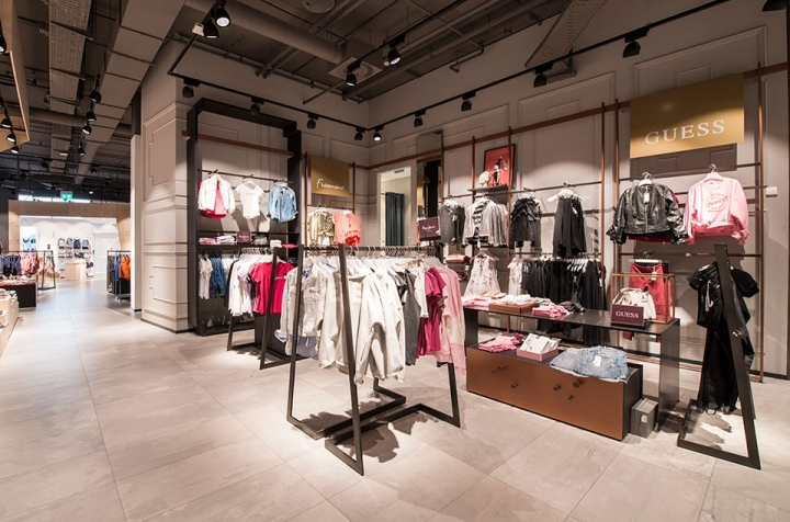 Kastner & Öhler fashion store by Umdasch