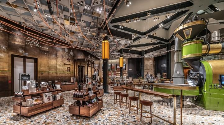 Starbucks Opulent Italian flagship Store in Milan