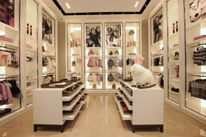 Burberry instore visual merchandising in Singapore