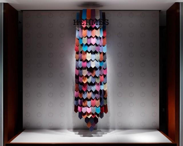 Hermés boutique in Marunouchi windows display