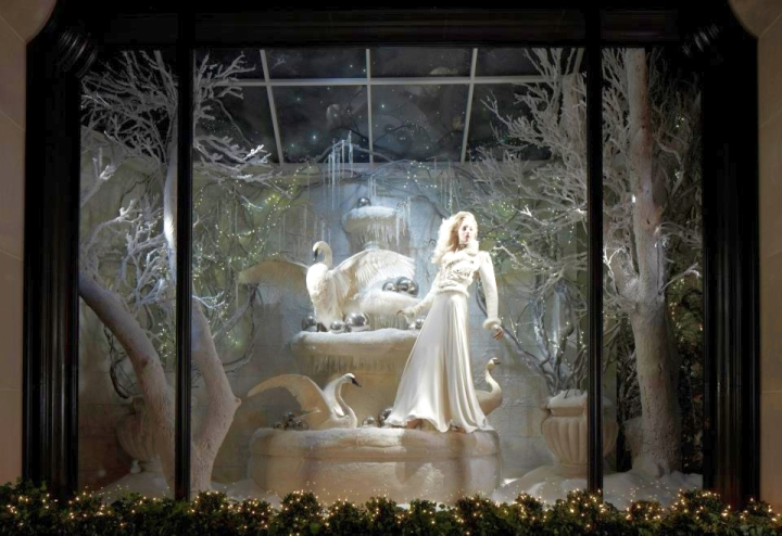 Ralph Lauren windows display Madison Avenue